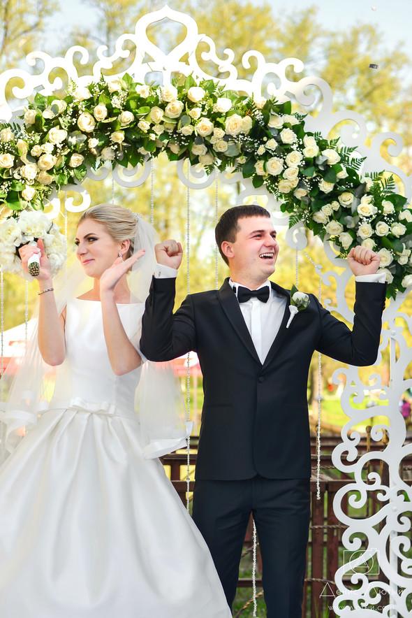 Красивая свадьба в классическом стиле Юлии и Виталия - фото №25