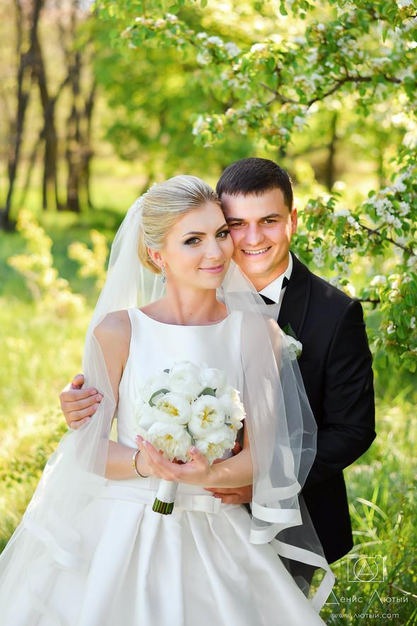 Красивая свадьба в классическом стиле Юлии и Виталия - фото №18