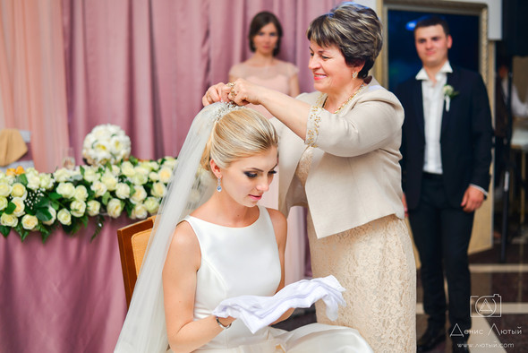 Красивая свадьба в классическом стиле Юлии и Виталия - фото №38