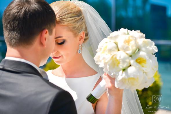Красивая свадьба в классическом стиле Юлии и Виталия - фото №10