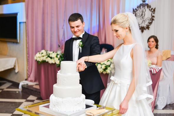 Красивая свадьба в классическом стиле Юлии и Виталия - фото №36