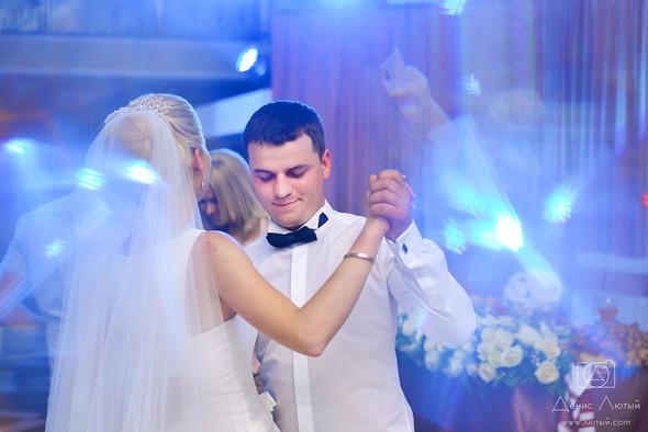Красивая свадьба в классическом стиле Юлии и Виталия - фото №31