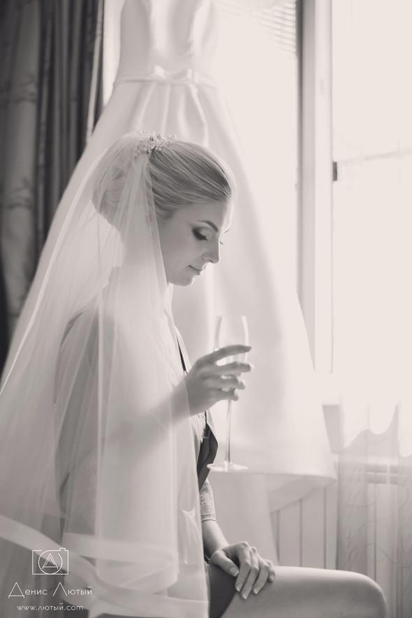 Красивая свадьба в классическом стиле Юлии и Виталия - фото №3