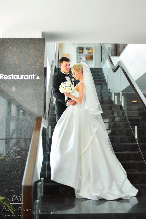 Красивая свадьба в классическом стиле Юлии и Виталия - фото №8