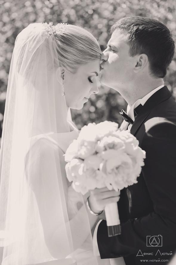 Красивая свадьба в классическом стиле Юлии и Виталия - фото №13