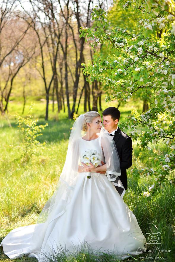 Красивая свадьба в классическом стиле Юлии и Виталия - фото №17