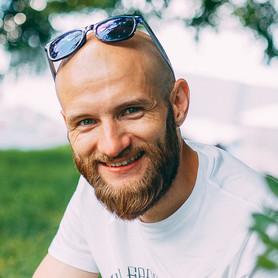 Дмитрий Глуховченко