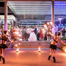 Огненное и пиротехническое шоу (фаер шоу) | Шоу-студия ЭРИАЛ - артист, шоу в Одессе - портфолио 5