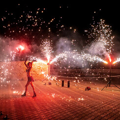 Огненное и пиротехническое шоу (фаер шоу) | Шоу-студия ЭРИАЛ - артист, шоу в Одессе - фото 3