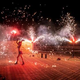 Огненное и пиротехническое шоу (фаер шоу) | Шоу-студия ЭРИАЛ - артист, шоу в Одессе - портфолио 3