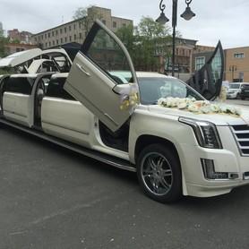 Лимузин Cadillac Escalade 2018 - авто на свадьбу в Киеве - портфолио 3